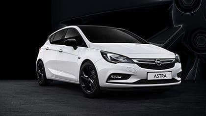 Opel Astra Black Edition min. € 3.500,- korting